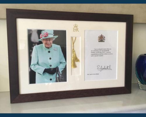 08 - HM Queen's Card